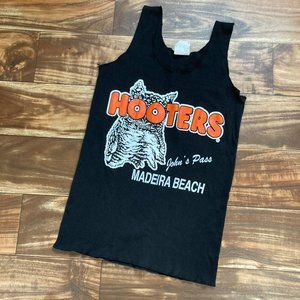 Hooters Tank Madeira Beach Size Small